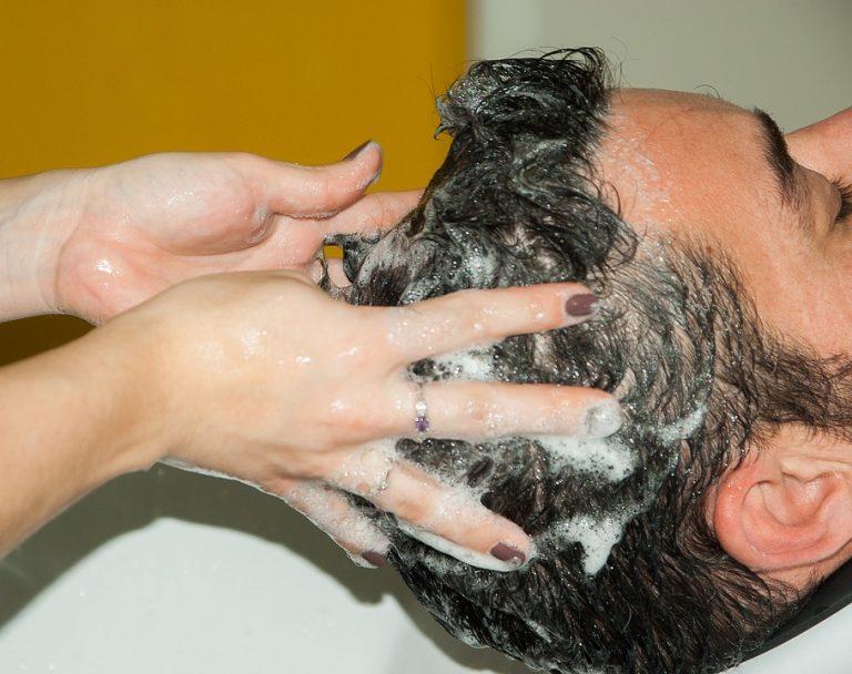 シャンプー選びに悩む脂性や薄毛のサラリーマンのために考えてみた